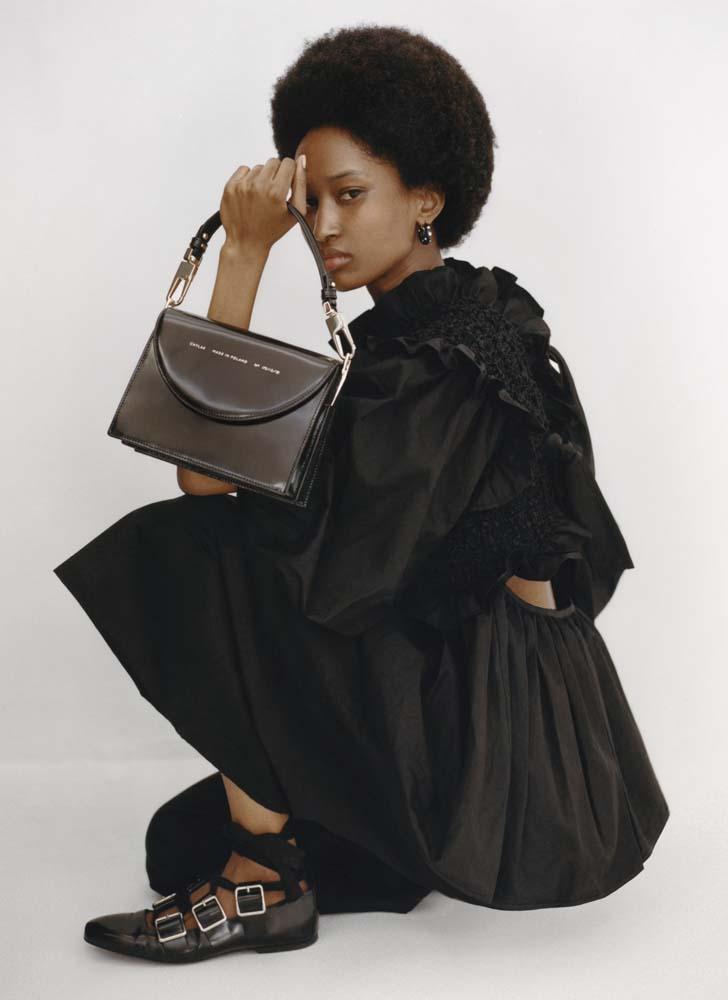 chylak-studio-retro-bag-glossy-black-1